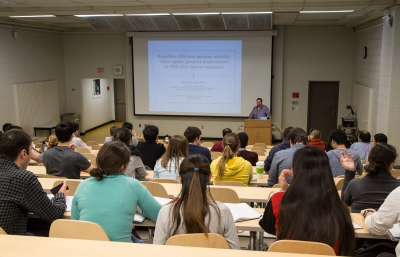 Student lectures in the Biochemistry Department.